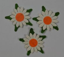 OFF WHITE SUNFLOWERS (2cm) Mulbery Paper Flowers miniature card wedding